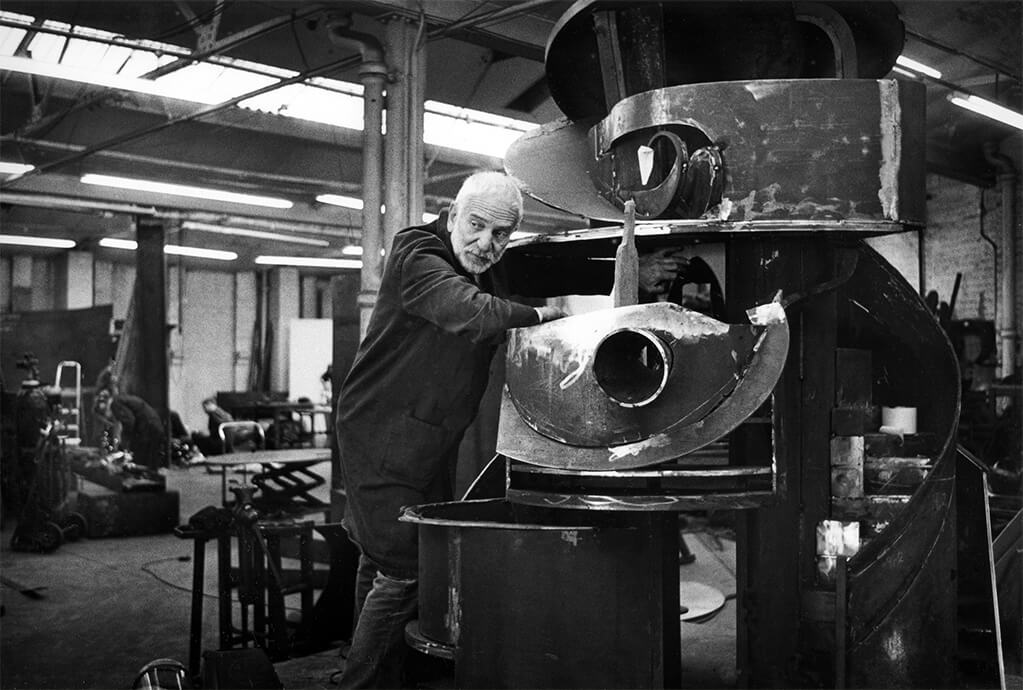 Anthony Caro in his studio, a converted piano factory, in Camden, North London; © Anne Purkiss